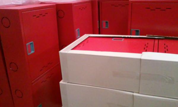Внешний вид пожарного шкафа с упаковкой
